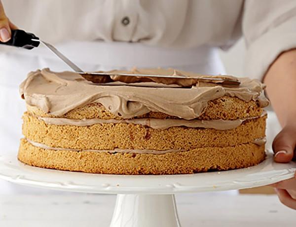 ציפוי עוגה בקרם