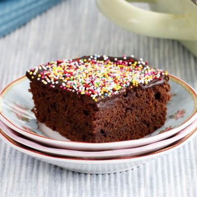 בראוניז בציפוי שוקולד וסוכריות