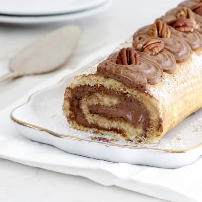 רולדת דבש ופקאן במילוי קרם שוקולד