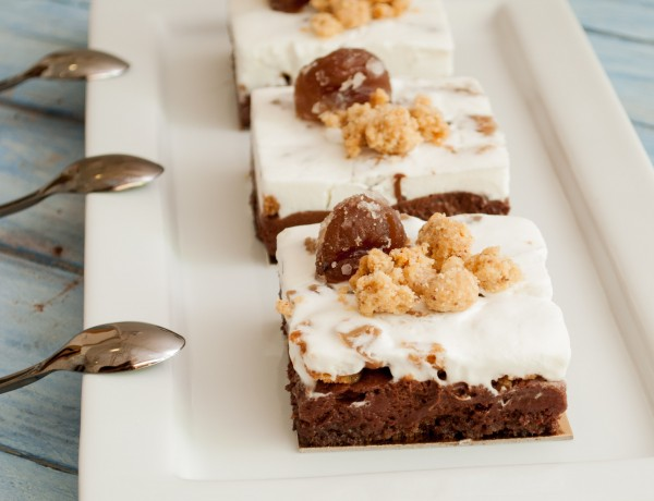 עוגת מוס שוקולד וערמונים מסוכרים