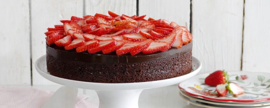 עוגת שוקולד ותותים