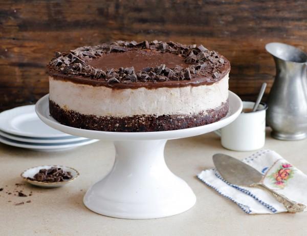 עוגת שוקולד קפה וקצפת