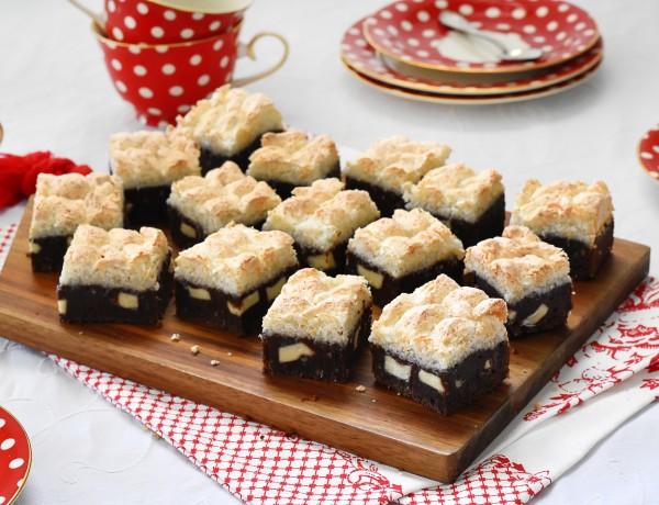 בראוניז עם הפתעת שוקולד לבן ומרנג קוקוס