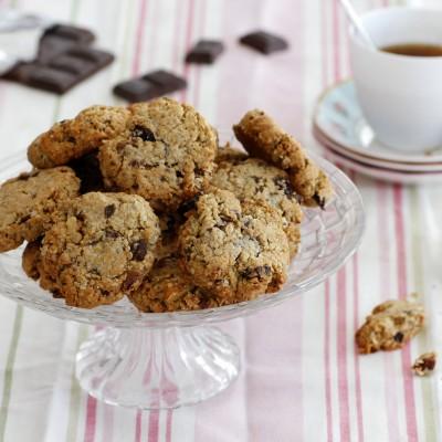 עוגיות גרנולה, שוקולד ואגוזים