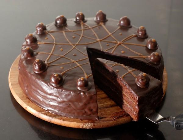 עוגת שוקולד דבש קרמל