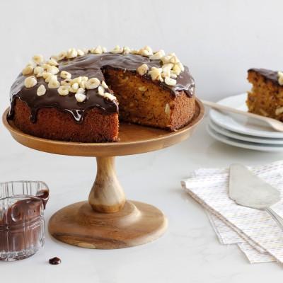 עוגת גזר, דבש ואגוזים עם ציפוי שוקולד