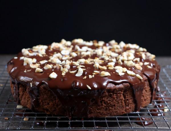 עוגת שוקולד וקפה עם גנאש ואגוזים