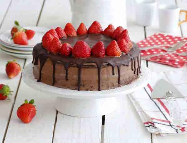 chocolate_and_strawberry_birthday_cake