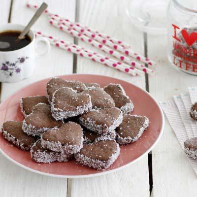 chocolate_alfajores_hearts