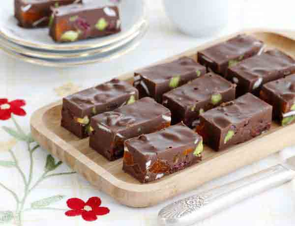 chocolate_dried_fruit_and_pistachio_bars